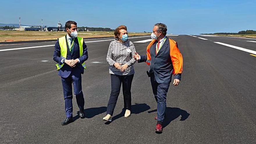La renovada pista del aeropuerto, a falta de los últimos remates