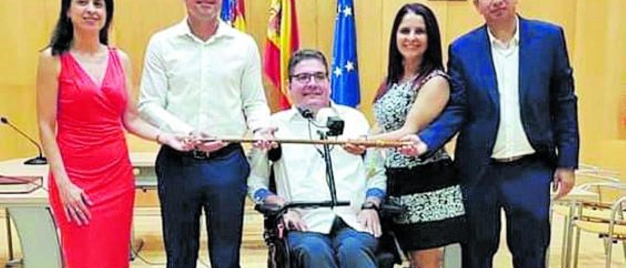 Rubén Rodríguez con los miembros de su gobierno que acudieron al acto de conciliación.  | L-EMV
