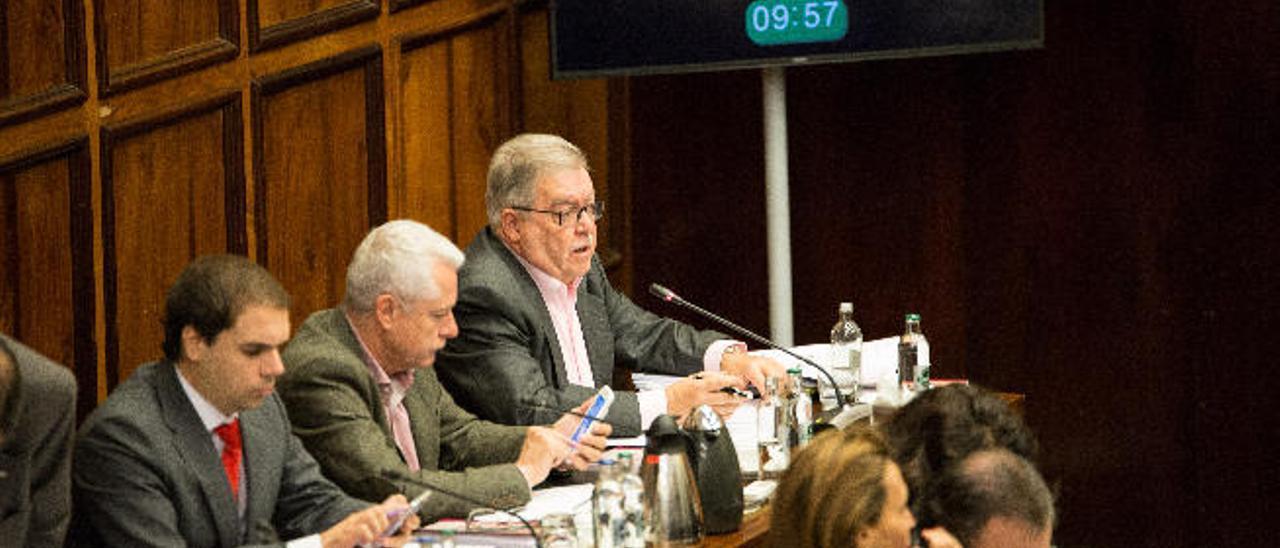 Los grupos del Cabildo cierran sin acuerdo el debate de desequilibrios