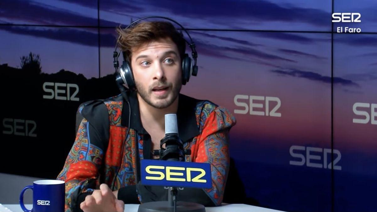 El cantante Blas Cantó en una entrevista en la Cadena Ser.