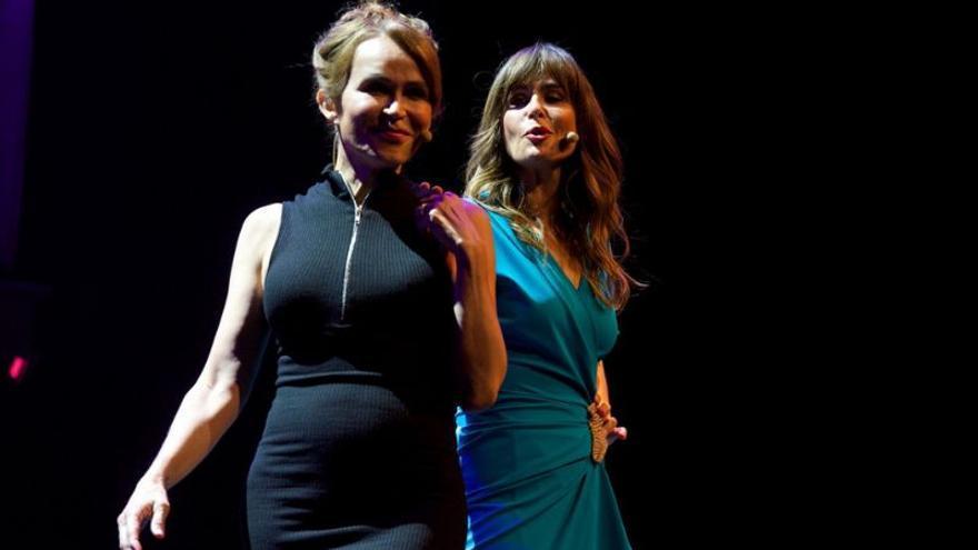 Los 'oregoneses', Nuria Roca y Antonia Sanjuan llenan de risas el Teatro de las Esquinas