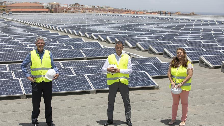 HiperDino y Endesa X inauguran en Telde una de las mayores instalaciones de autoconsumo fotovoltaico de Canarias