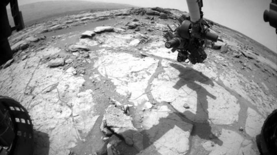 'Curiosity' perfora una segunda roca en el suelo de Marte