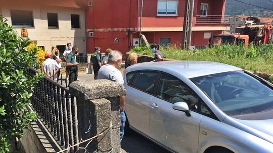 Vecinos de O Conde impiden que se instale una torre de alarma de Eiras entre las casas