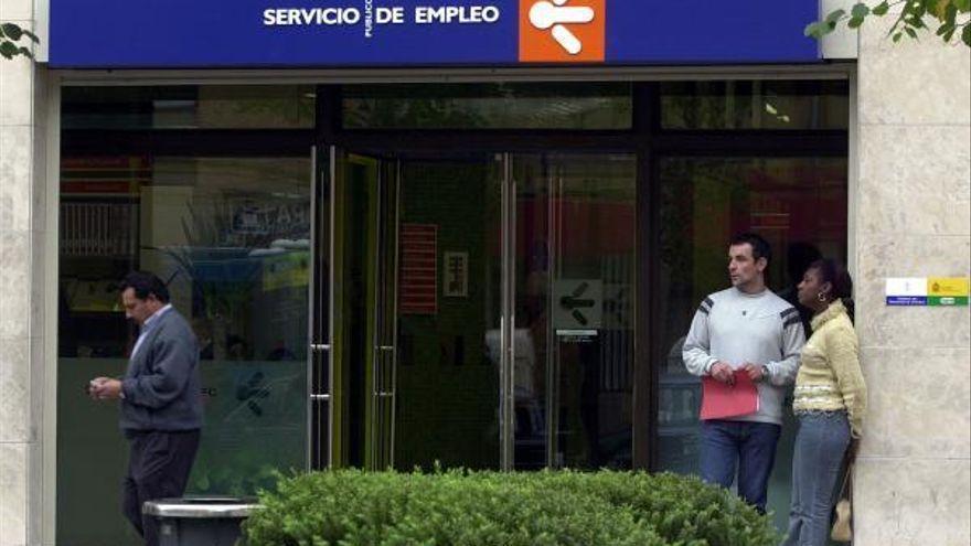 Asturias reduce el paro en marzo en 1.064 personas, el 1,24 %