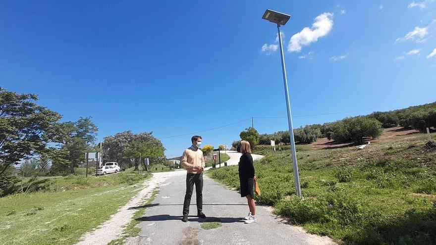 Iluminado el tramo urbano en Cabra de la Vía Verde de la Subbética