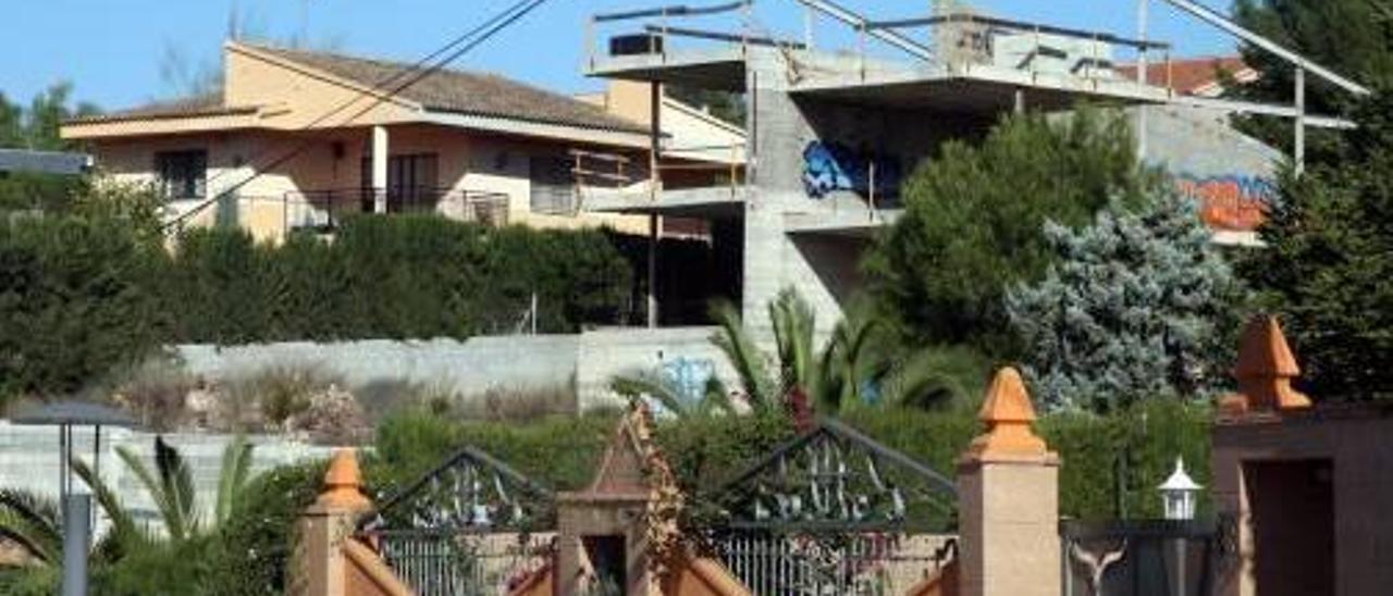 Los vecinos de Almussafes, Montserrat y l'Alcúdia declaran las rentas más elevadas