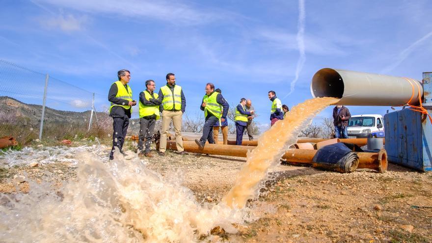 La Diputación y los alcaldes del Vinalopó exigen alternativas al cierre de los acuíferos agotados