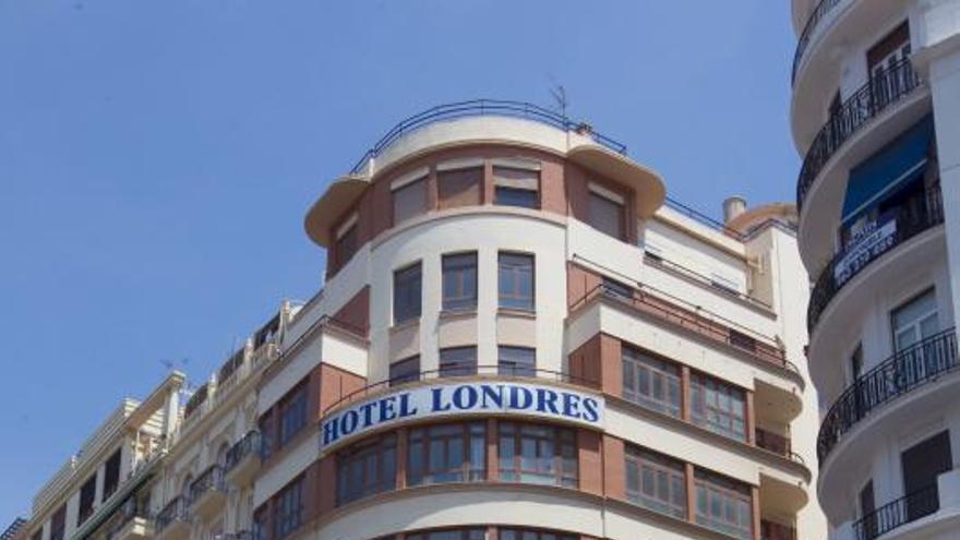 Casual ultima la venta de su hotel en la plaza del Ayuntamiento