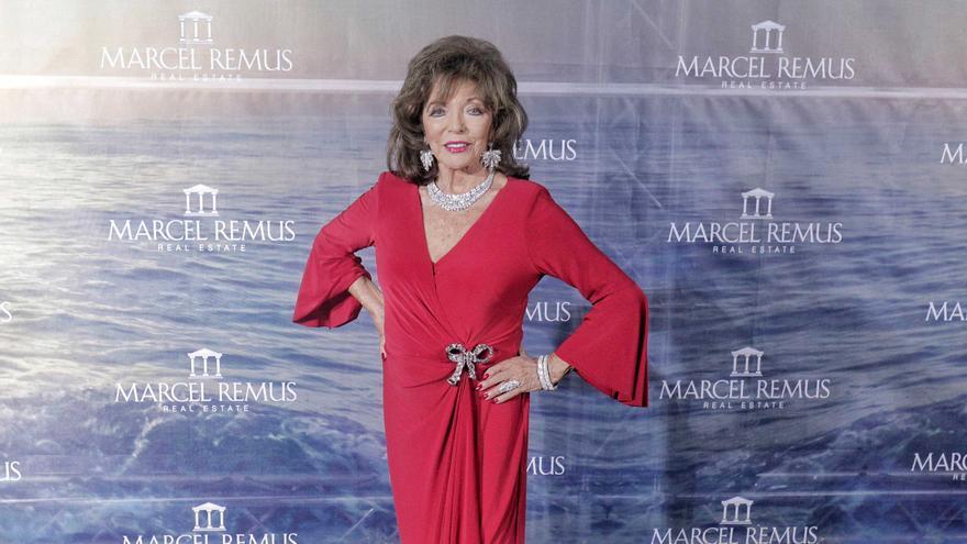 Joan Collins y el rojo triunfan en la fiesta de Marcel Remus