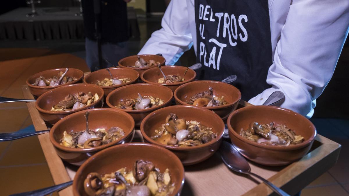 «Del tros al plat» interpreta los paisajes de València en sus platos.