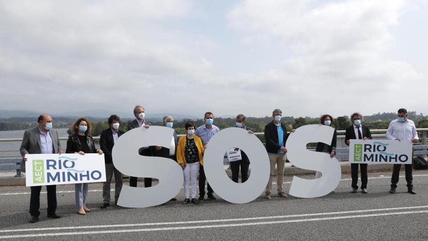Los trece concellos de la ribera del Miño se unen para exigir fronteras abiertas