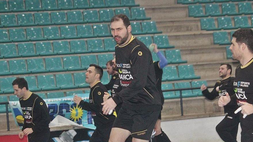 Dani Cerqueira durante un entrenamiento en el pabellón de O Gatañal.