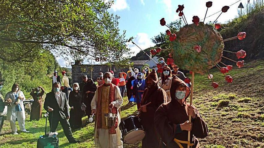 Villanueva de Oscos se sube a la escena para reivindicar la actividad cultural en los pueblos