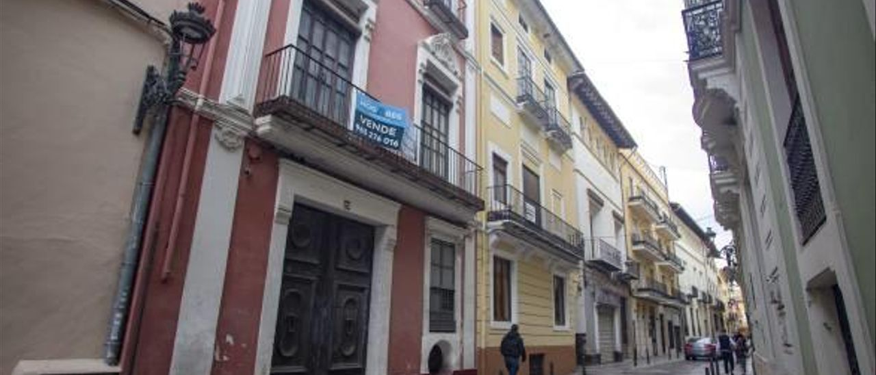A la venta la histórica casa del doctor Arjona de la calle Montcada de Xàtiva