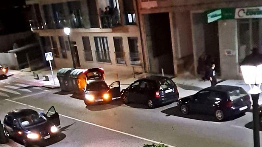 Tres heridos leves en una colisión entre dos coches en la PO-315 en Beluso