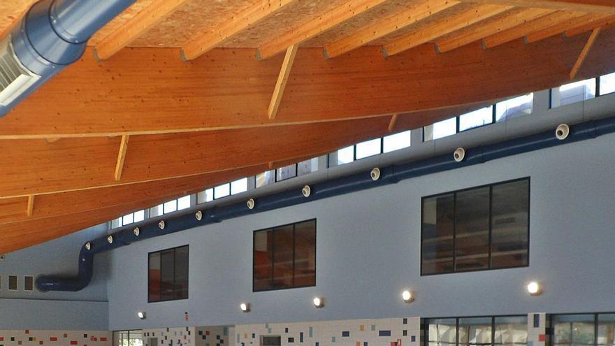 El Campello licita cinco años después de su finalización el mantenimiento de la piscina