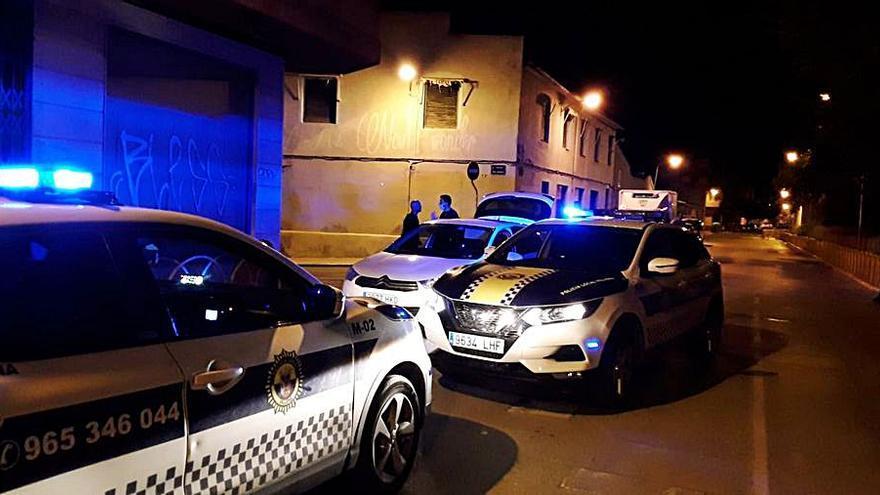 Dos detenidos por la Policía Local de Villena tras un atraco en un comercio de Elche