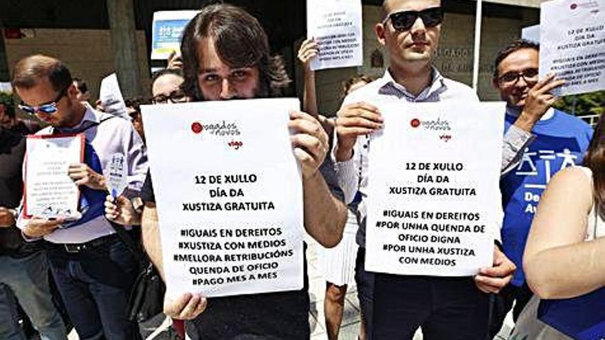 Galicia es la comunidad que más reduce el gasto en Justicia gratuita debido a la huelga