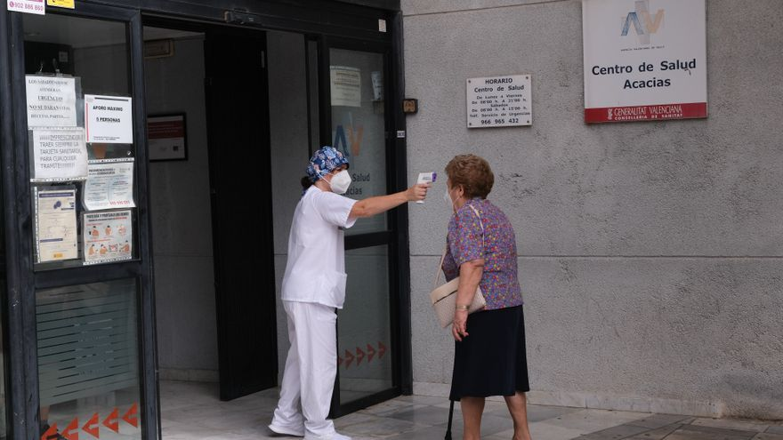 Los nuevos contagios de coronavirus bajan de 200 por primera vez en diez días en la provincia de Alicante
