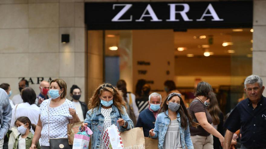 Una pelea a tortazos en un Zara de Pontevedra acaba con tres mujeres en urgencias