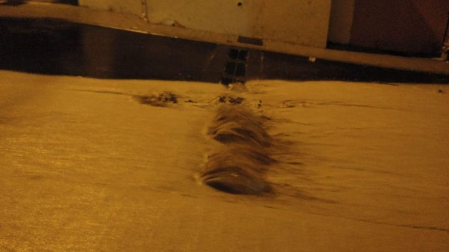 La falta de limpieza en Cañada Honda provoca el desborde de las calles con las lluvias