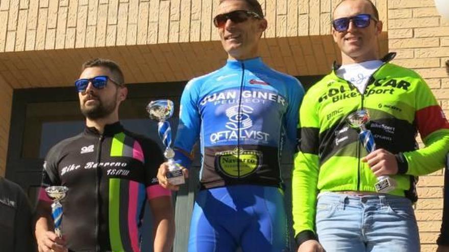 Noguera y Luis vencen en la popular marcha ciclista de montaña de Turís