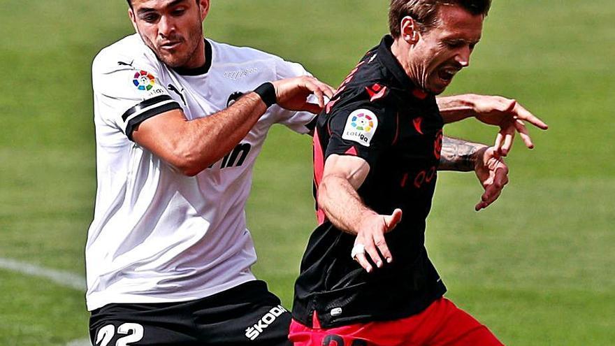 Maxi Gómez se teme dos partidos de suspensión