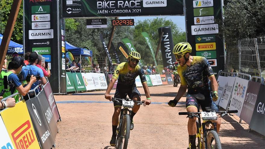 Primer triunfo español en la Andalucía Bike Race
