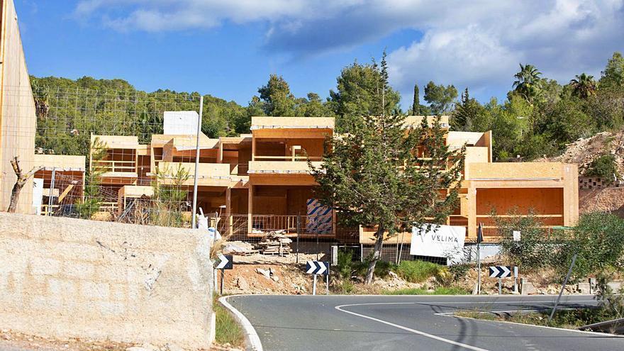 PSOE-Reinicia exige que se paralice la obra de las casas de madera de Can Germà