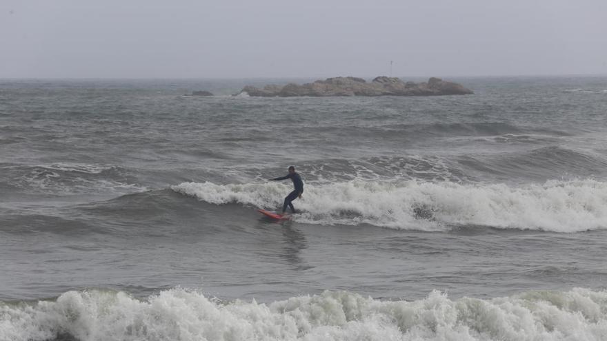 Ratxes de més de 114 km/h al Pirineu i onades de 5,7 metres a la Costa Brava