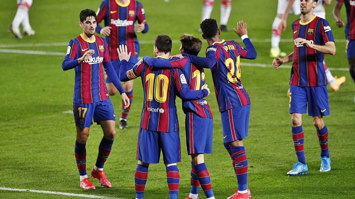 Messi celebra amb l'equip el segon gol en el seu compte particular dissabte contra l'Alabès.