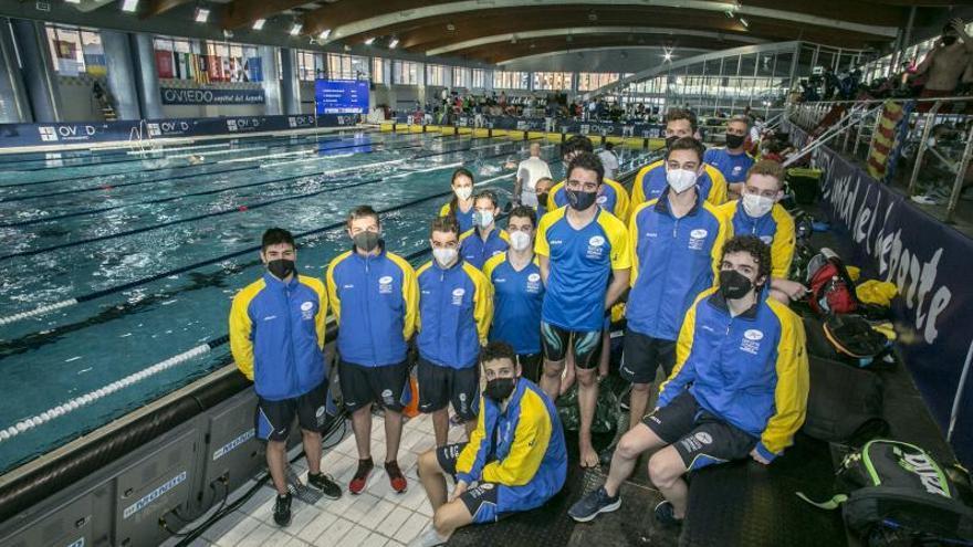 Cuando nadar es vivir: así es por dentro el Campeonato de España de natación que se celebra en Oviedo