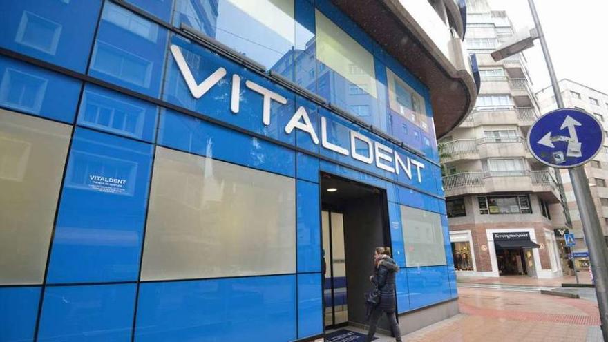 El equipo que pilotó la crisis de Pescanova salva de la quiebra a la cadena Vitaldent