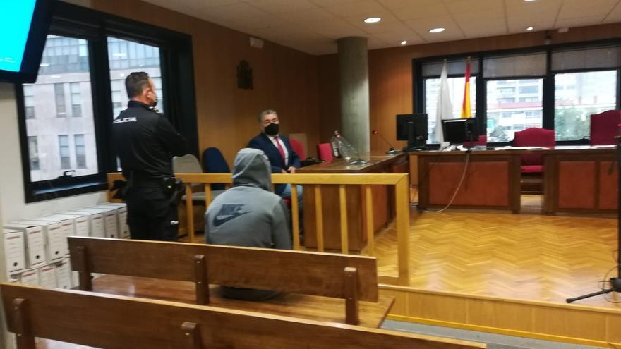 Dos años de prisión para uno de los albaneses que asaltó un chalé en San Andrés  de Comesaña