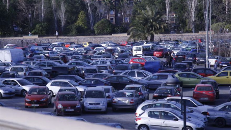 Campaña para promover los aparcamientos disuasorios de la capital