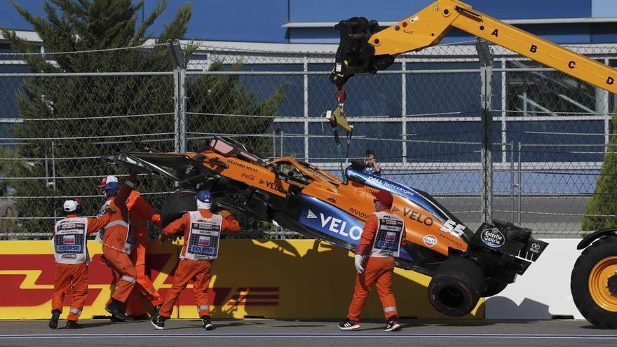 Sainz se retira en la primera vuelta por un accidente