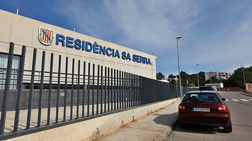 Los empleados de residencias de Ibiza reclaman cobrar el plus covid