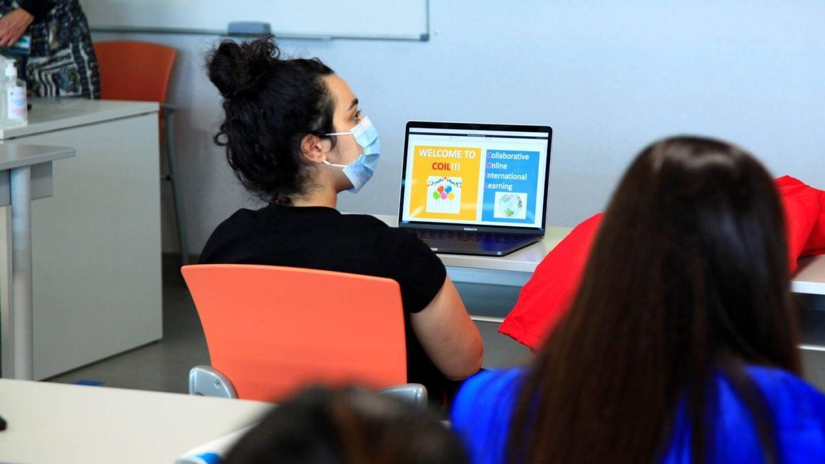 Proyecto educativo internacional entre la Universidad de Monterrey y el CEU Cardenal Herrera.