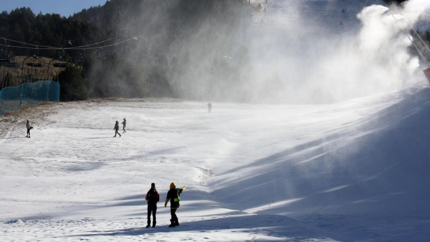 Les pistes d'esquí de la Cerdanya tanquen el primer cap de setmana sota mínims