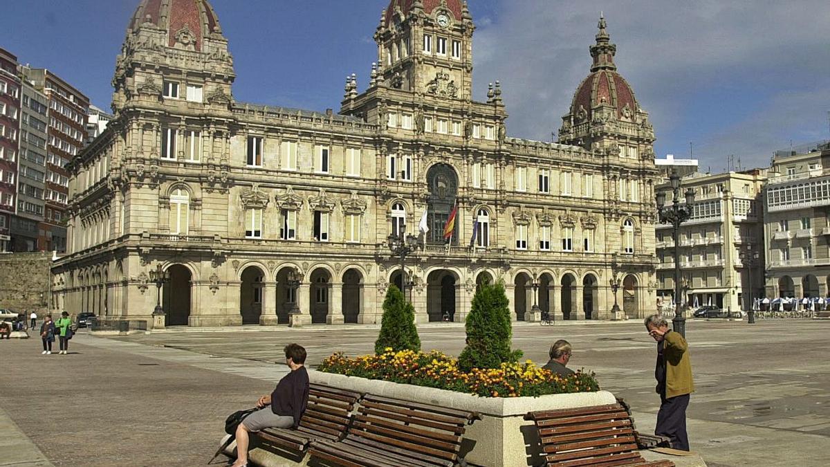 Fachada del Ayuntamiento de A Coruña. |   // CARLOS PARDELLAS