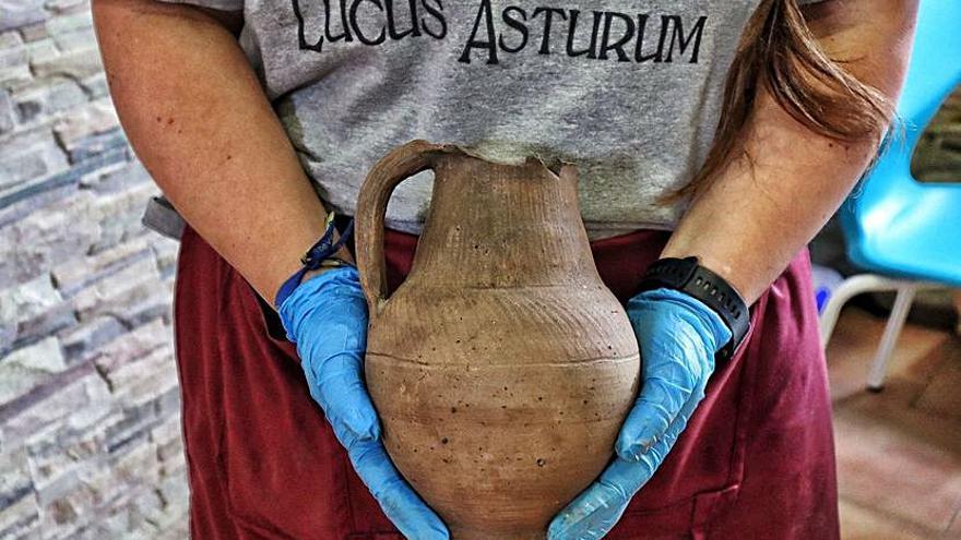 La vasija hallada en la excavación.