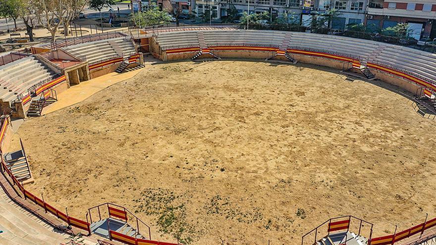 Orihuela tendrá que volver a reparar por falta de uso la plaza de toros rehabilitada hace dos años