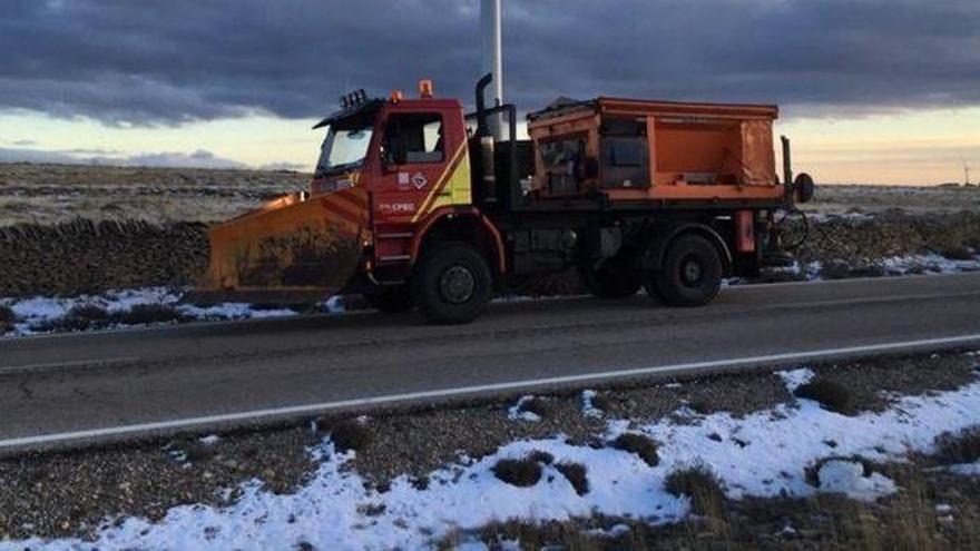 EN CASTELLÓN | Dos carreteras cortadas y 11 con el uso obligatorio de cadenas