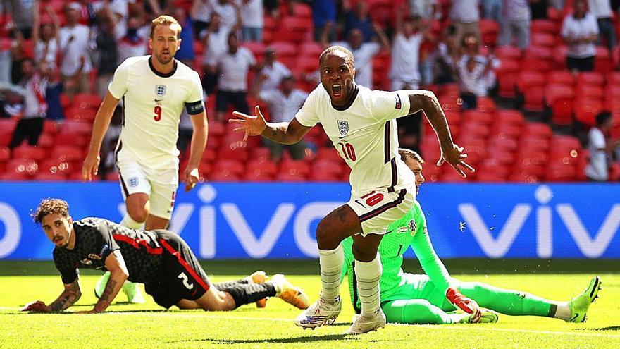 Sterling guia Anglaterra cap a la victòria a Wembley