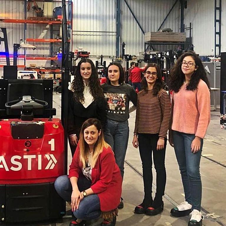 Visita de participantes a las instalaciones de una fábrica. | Cedida