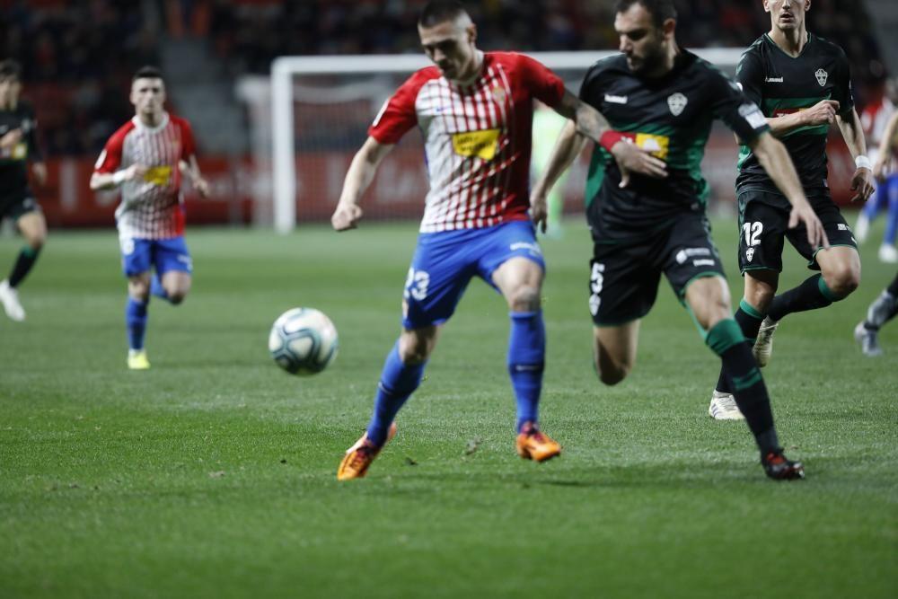 El partido entre el Sporting y el Elche, en imágenes
