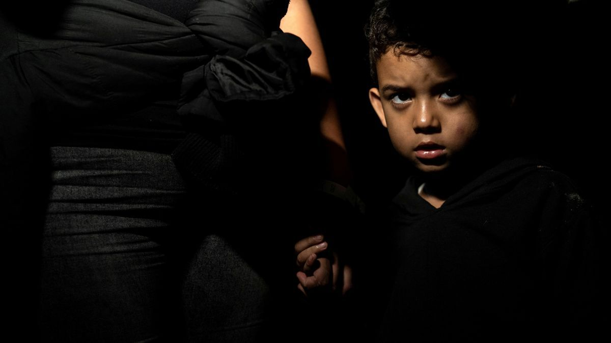 Asylum-seeking migra (109738820).jpg