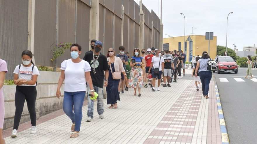Canarias suma este martes 671 nuevos casos de covid y cinco muertes, todas en Tenerife