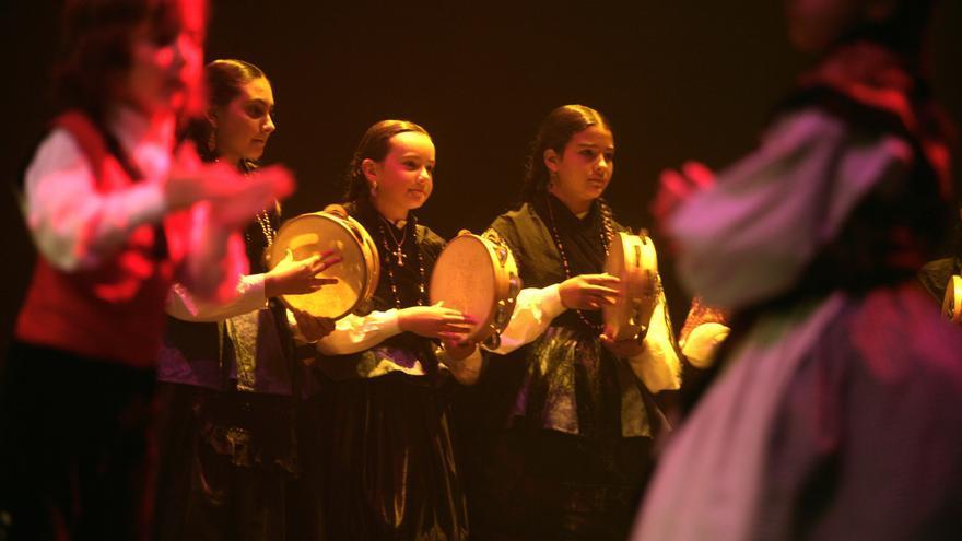 Profesionales de la música y el baile gallego reclaman más aforo para sus clases